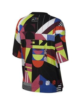 Camiseta Chica Nike Sportswear Colores